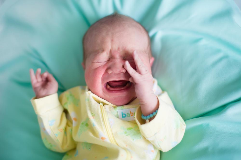 Schütteltrauma: Darum ist Schütteln für Babys lebensgefährlich