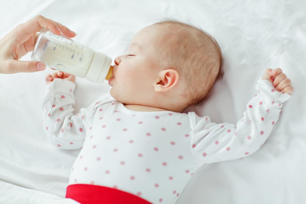 Mann fordert, dass Milchpulver nur auf Rezept zu kaufen sei