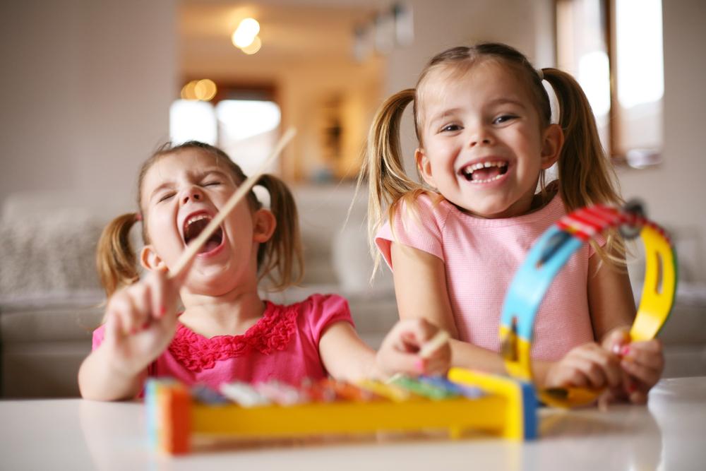 Ideen: Wie du trotz Coronakrise einen abwechslungsreichen Tag mit Kind erleben kannst