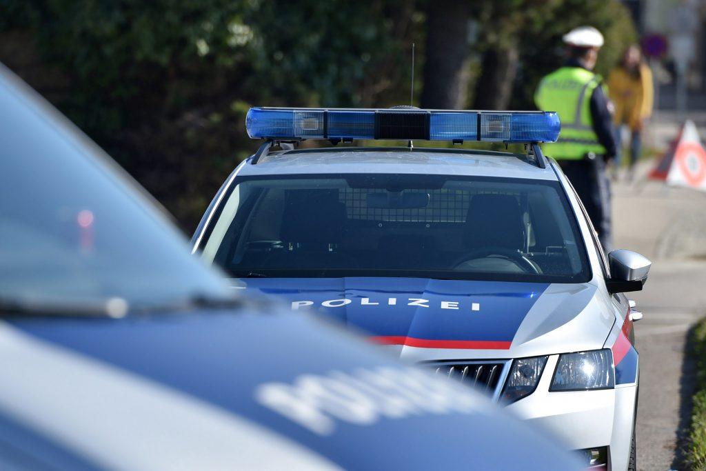 Spaziergänger entdeckt Babyleiche in Teich in Oberösterreich