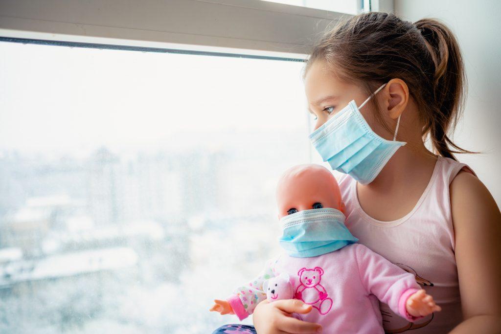 Studie: Covid-19 verursacht vorwiegend leichte Erkrankung bei Kindern
