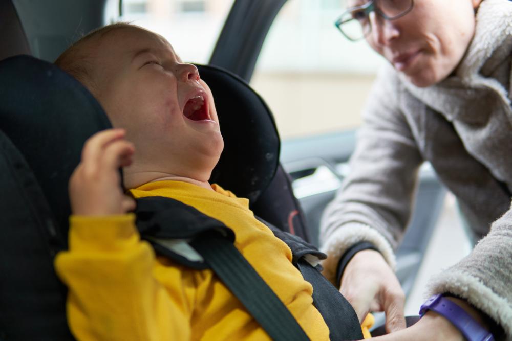 Was kann ich tun, wenn mein Baby im Auto schreit?
