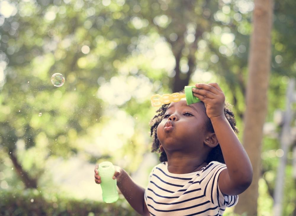 Warum die Natur der beste Lehrmeister für dein Kind ist