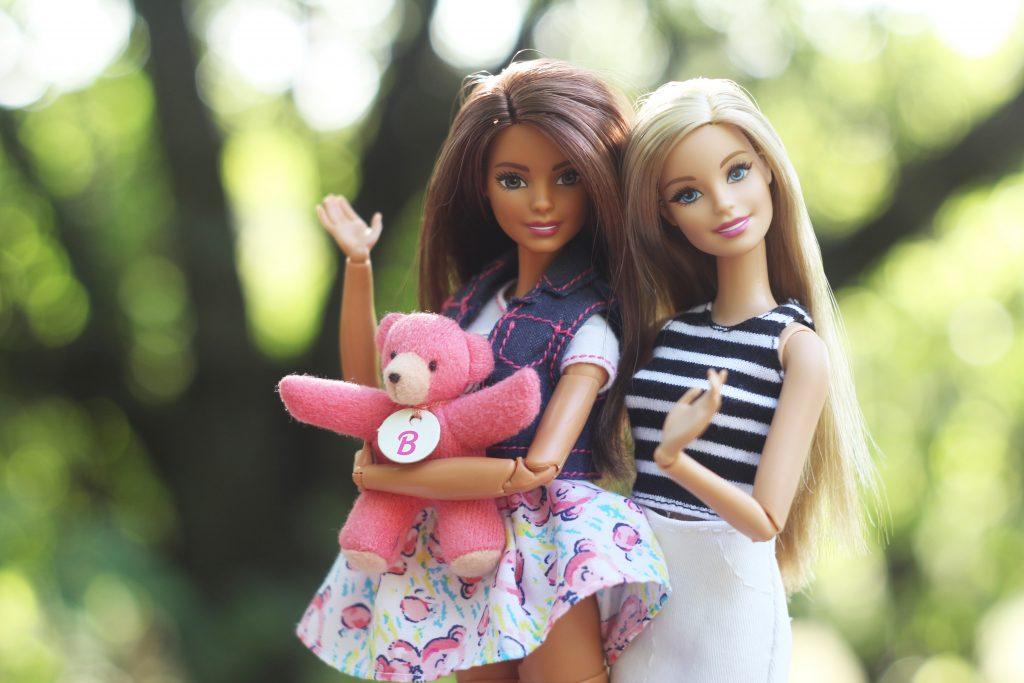 Barbie klärt in YouTube-Video über Rassismus auf